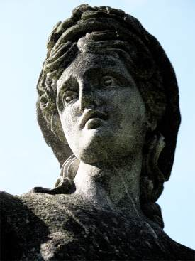 greek_statue_closeup_on_face